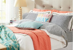 Comforters, Quilts & Coverlets