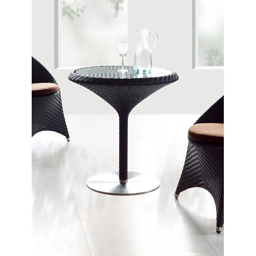 100 Essentials Party Dining Table