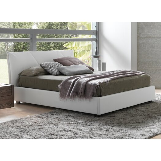 Creative Furniture Esprit Queen Platform Bed