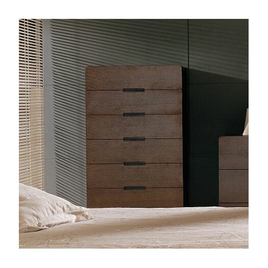 Beverly Hills Furniture Cosmo 7 Drawer Chest