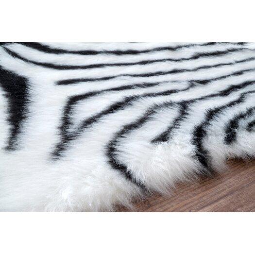 Nuloom Block Island Shelia Zebra Shag Black And White Area