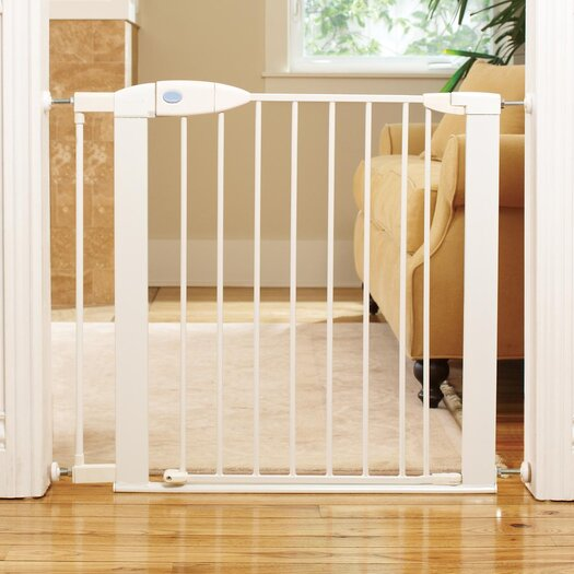 Munchkin Safe Step™ Gate with TripGuard™