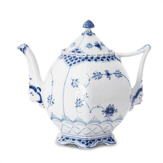 Royal Copenhagen Blue Fluted Full Lace 34 Oz Teapot