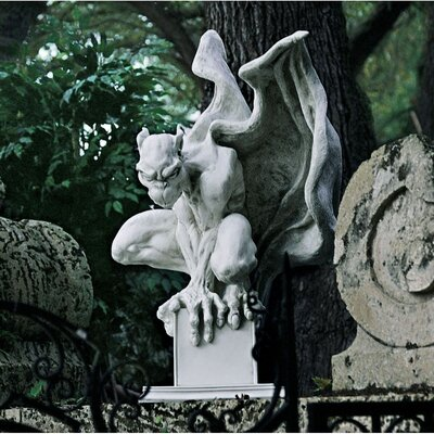 Draga The Gargoyle Vampire Statue