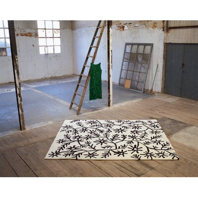 Black On White Flores Rug