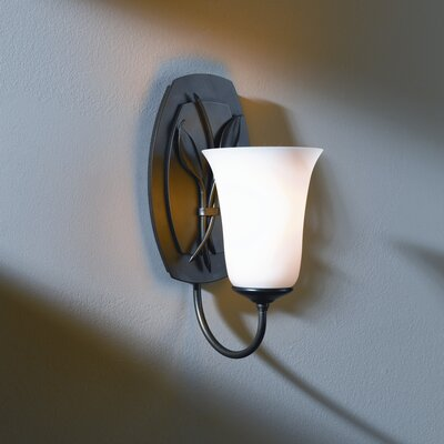 Hubbardton Forge Leaf 1 Light Wall Sconce