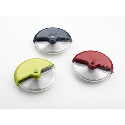 Joseph Joseph Scoot Pizza Wheel with Guard in Red