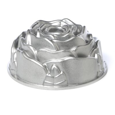 <strong>Nordicware</strong> Platinum Rose Bundt Pan