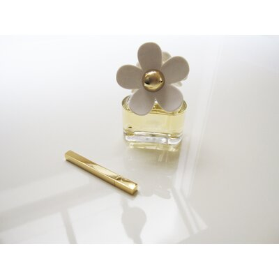 Molla Space, Inc. Tsubota Queue Perfume Stick Roller