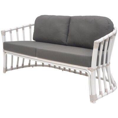 David Francis Furniture Laguna Loveseat with Cushions