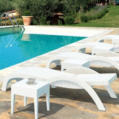 Compamia Miami Resin Wickerlook Chaise Lounge