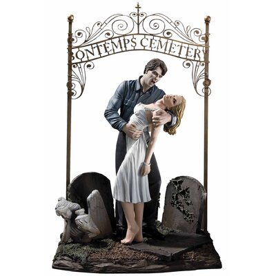 Diamond Selects DC True Blood True Love Bill And Sookie Statue