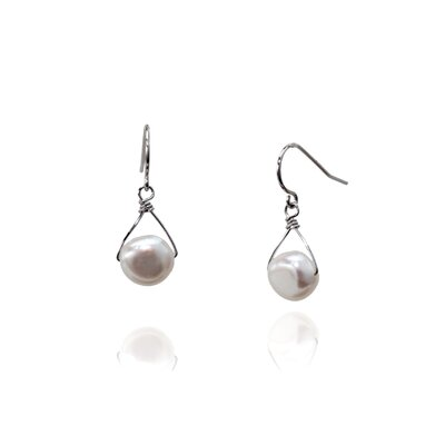 Hand Wired Cultured Pearl Earring