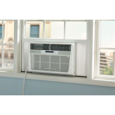 FRIDGADAIRE 15 000 BTU AC AND HEAT