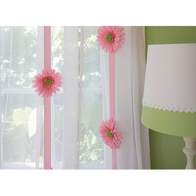 Daisy Garland Decor