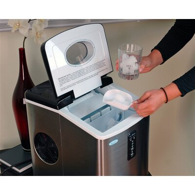 NewAir Portable 28 Pounds Ice Maker