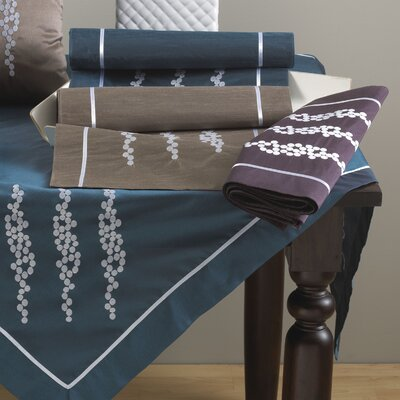 Embroidered Dining Linens Set