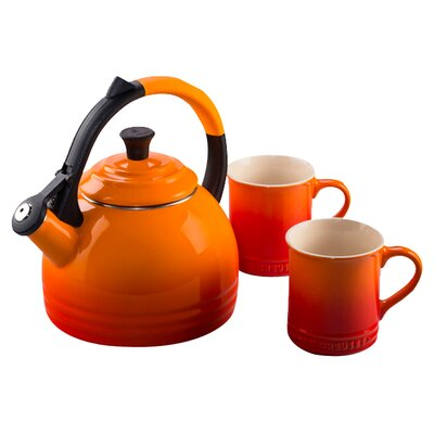 <strong>Le Creuset</strong> 1.7-qt. Peruh Tea Kettle Set