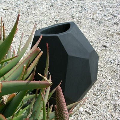 Slide Design Secret Round Planter