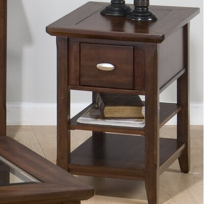 Bellingham Chairside Table
