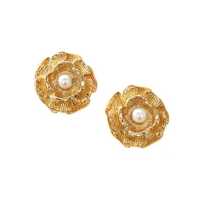 Flower Faux Pearl Stud Earrings
