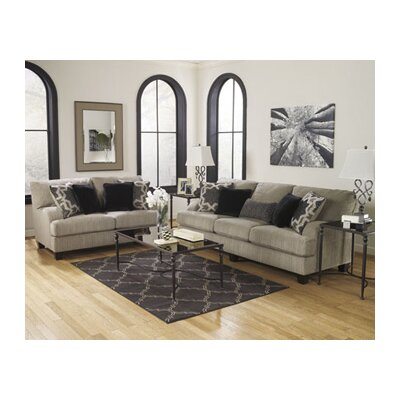 Wynnmere Isle Sleeper Living Room Collection