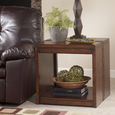 Signature Design by Ashley Baileyville End Table