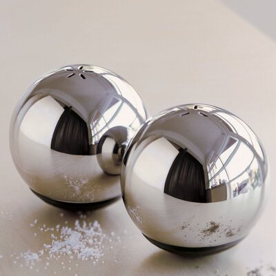 Menu Henriette Melchiorsen Fine Salt and Pepper Set