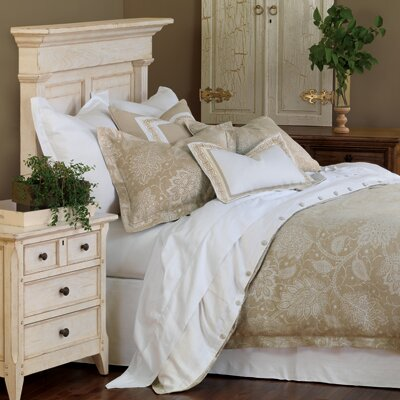 Eastern Accents Aileen Button-Tufted Comforter