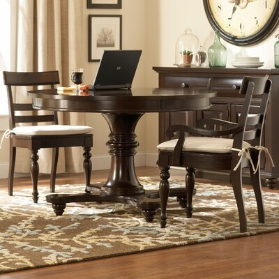 Broyhill Farnsworth Dining Table