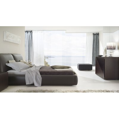 New Pavo Platform Bed