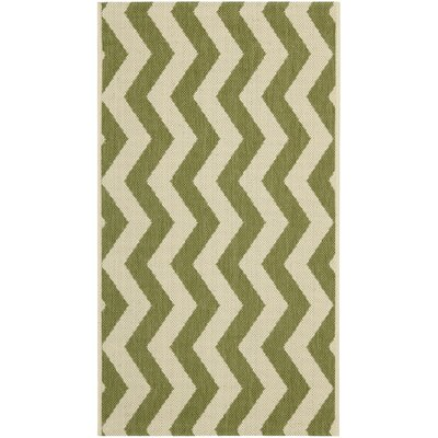 Courtyard Green/Beige Rug