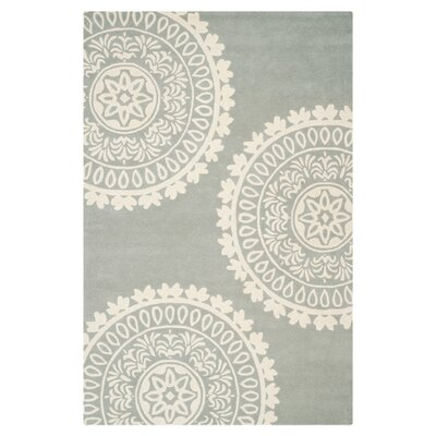 <strong>Safavieh</strong> Bella Grey / Ivory Rug