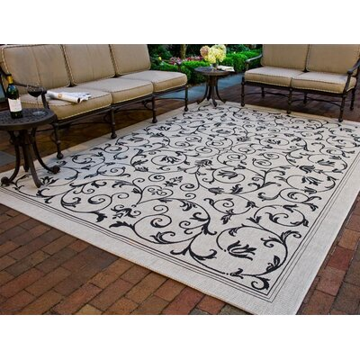 Safavieh Courtyard All Over Vine Rug