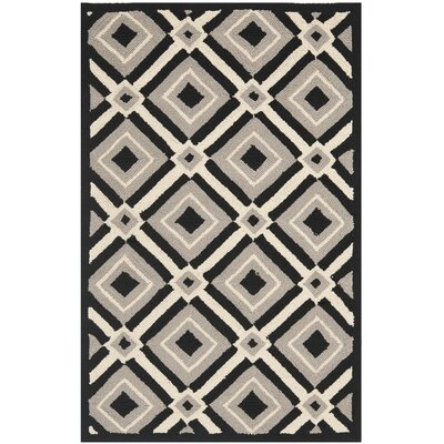 <strong>Safavieh</strong> Four Seasons Black / Grey Rug