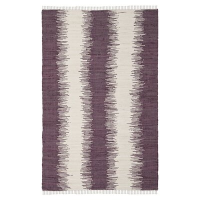 <strong>Safavieh</strong> Montauk Purple Abstract Rug