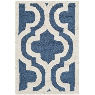 <strong>Safavieh</strong> Cambridge Navy / Ivory Rug