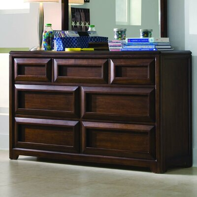 Lea Industries Elite Expressions 7-Drawer Dresser