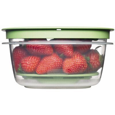 Rubbermaid 5 Cup Square Produce Saver Food Storage Container