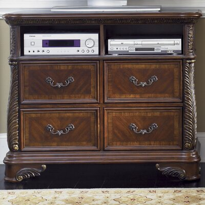 Highland Court 4 Drawer Dresser