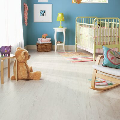 Quick-Step Eligna 8mm Pine Laminate in White Brushed