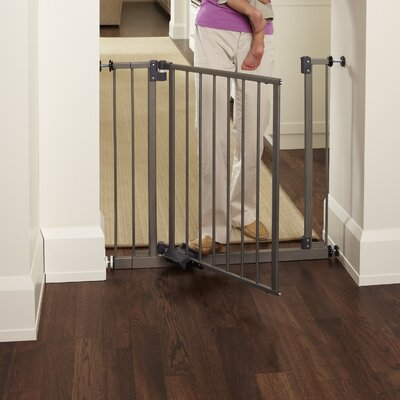 Summer Infant Stylish And Secure Wood And Metal Walk Thru