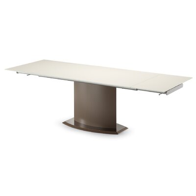 Discovery Dining Table