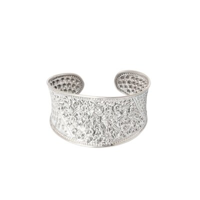 The Achara Artisan Sterling silver Frangipani Forest Flower Bracelet