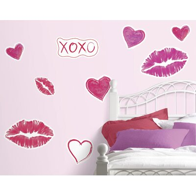 4 Walls Hugs and Kisses Freestyle Wall Decal