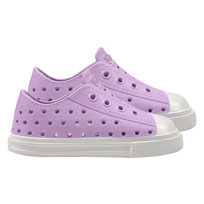 i play Summer Sneakers in Lavender