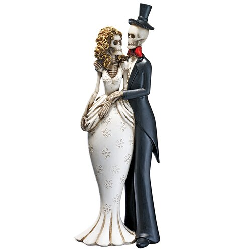 Skeleton Bride and Groom Statue