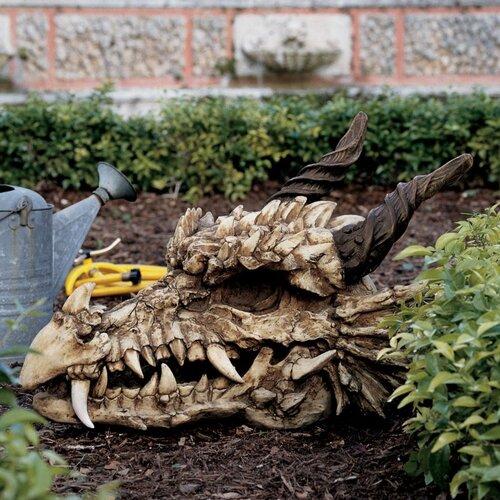 Stoker's Moors Dragon Skull Statue