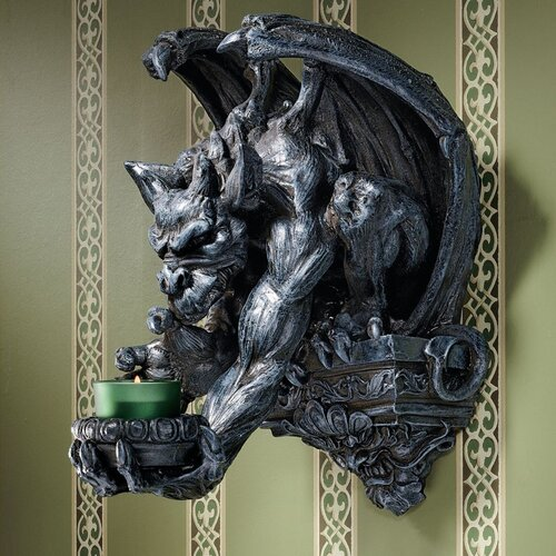 Design Toscano Whitechapel Manor Gargoyle Wall Sconce
