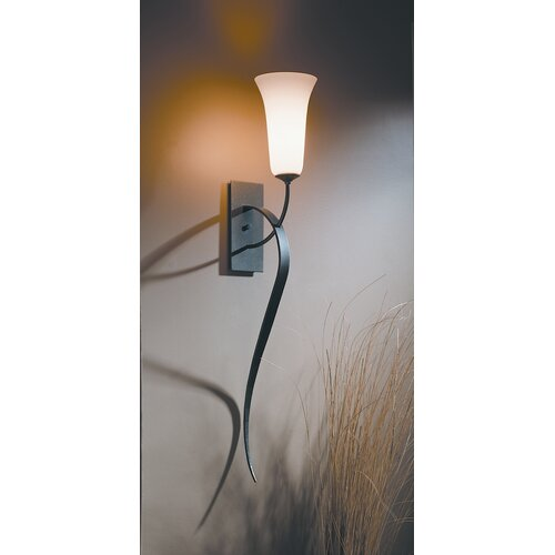 Hubbardton Forge Sweeping Taper: Sweeping Taper 1 Light Wall Sconce